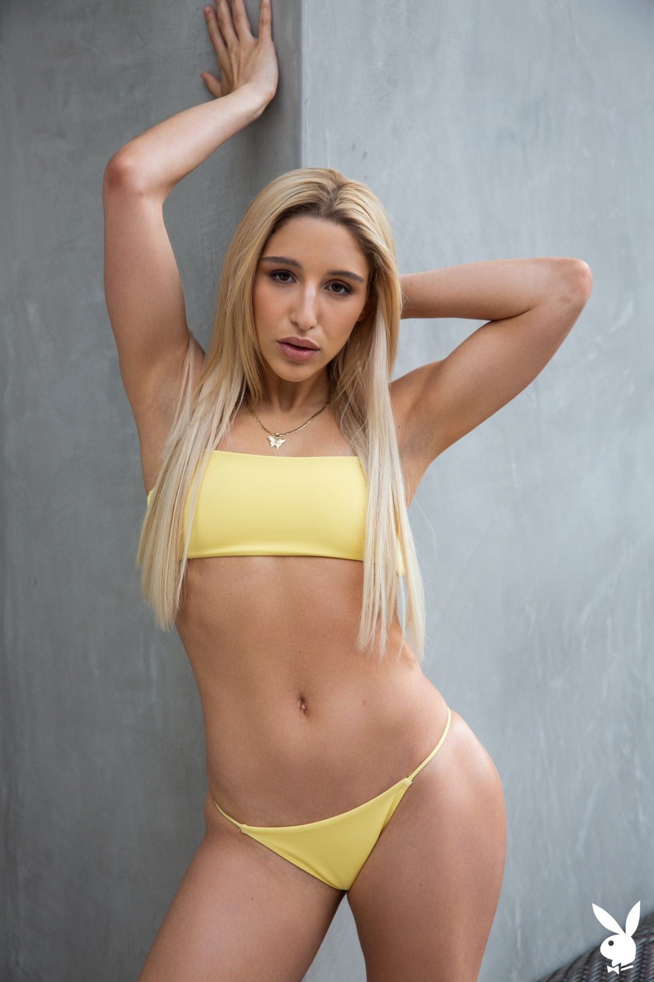 Abella Danger in Ahead of the Curve Abella01-0006