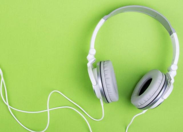 Download Lagu Nissa Sabyan Terpopuler