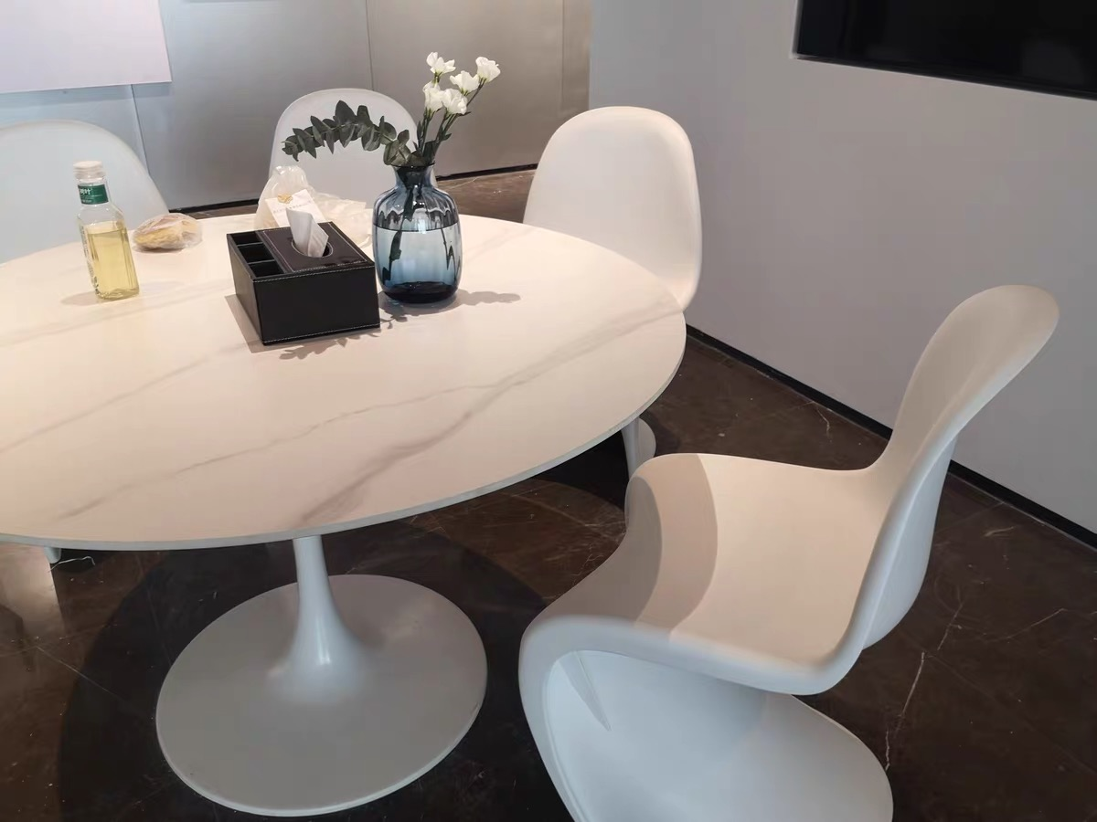 Philippe starck style clear panton chair