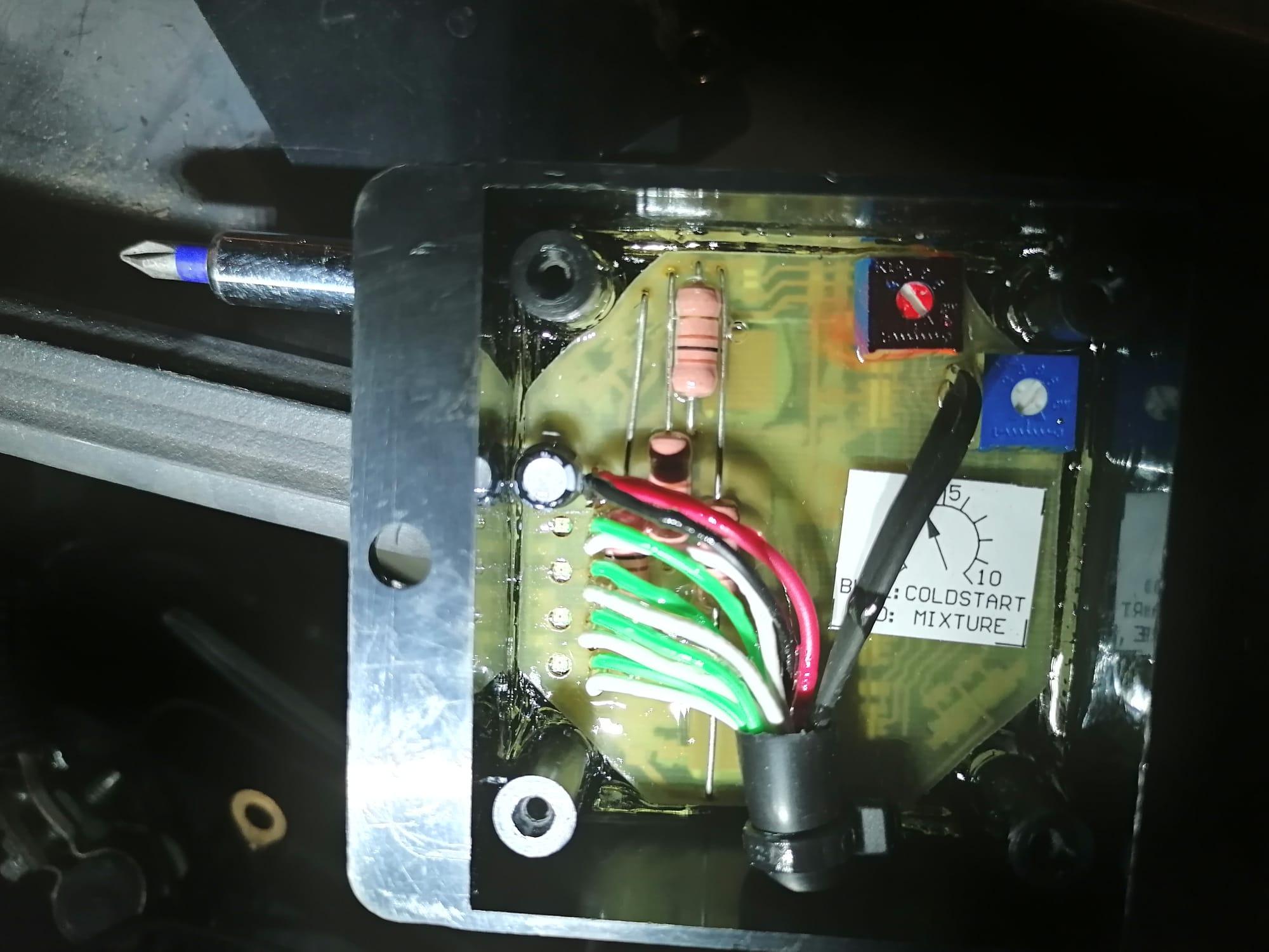 [TUTO] Vidéo comment installer le kit e85 v2 d'Eco-System A91-D9075-6-B35-409-C-8-D21-550-FBD72-A9-DE