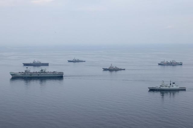 hms-Queen-Elizabeth-Dodko-ship-fm-South-Korea-in-Pacific-SEREX-2