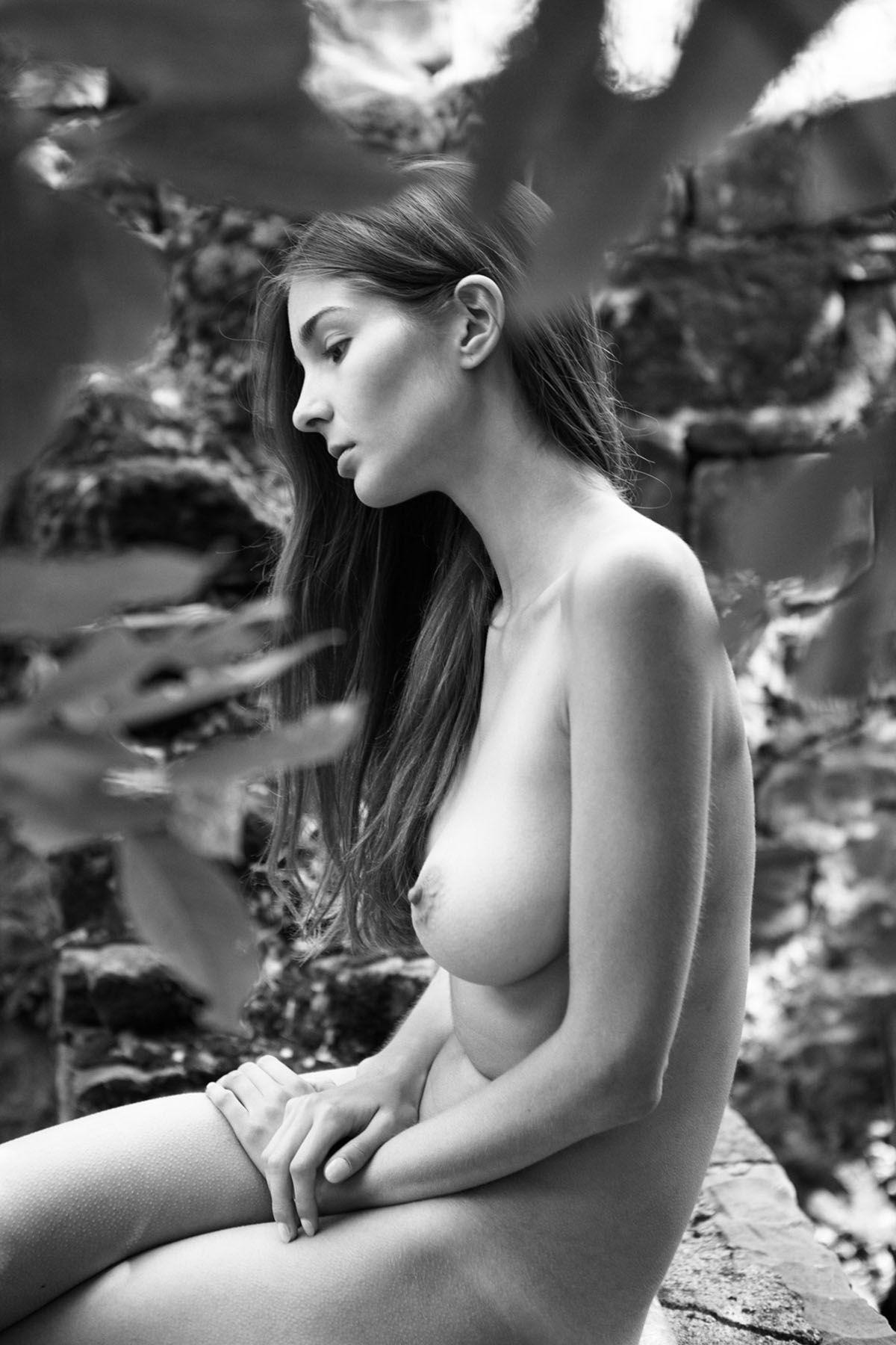 Lina-Lorenza-Nude-10