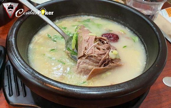 Unik Kuah Seputih Susu Ini dari Sup Sapi ala Korea