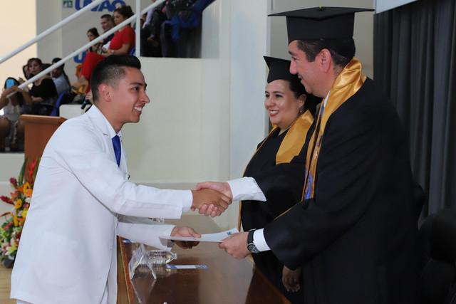 Graduacio-n-Medicina-86
