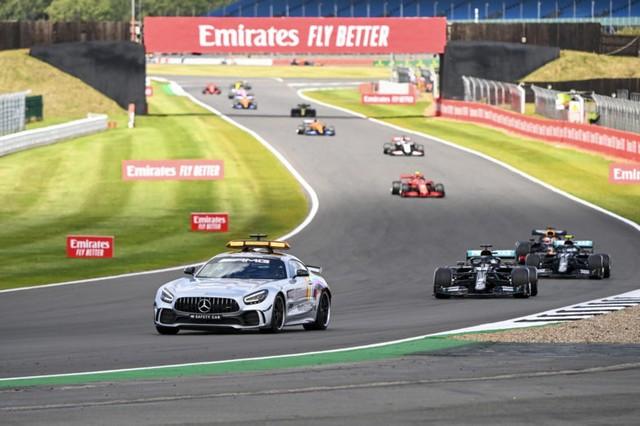 F1 GP de Grande-Bretagne 2020 : Victoire de lewis Hamilton sur trois roues 7277