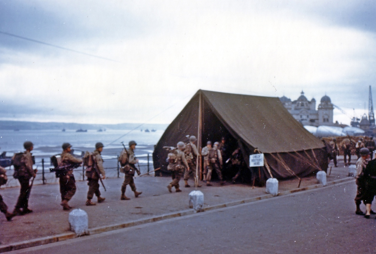 Allied soldiers preparing for Operation Overlord (Weymouth - Normandy). Unique photo in color