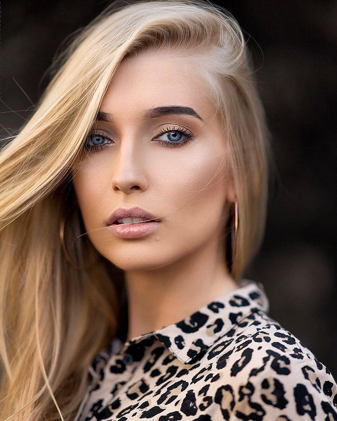 Aleksandra-Mucha-Wallpapers-Insta-Fit-Bio-2