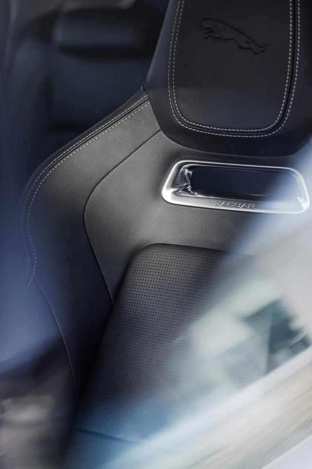 La Jaguar I-PACE EV320 : Une Nouvelle Édition Limitée, Disponible Dès À Présent, Rend Le Passage À L'électrique Plus Attractif Que Jamais Jag-I-PACE-21-MY-Interior-Seat-Detail-23-06-20