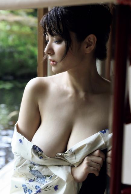 Hanai-Miri-10050007