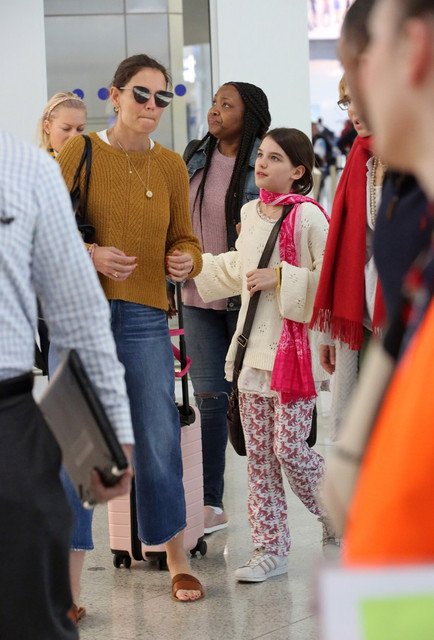 RIGHTS-WORLDWIDE-EXCEPT-IN-GREECE-Athens-GREECE-Katie-Holmes-and-Suri-Cruise-arrive-at-Athens-Intern