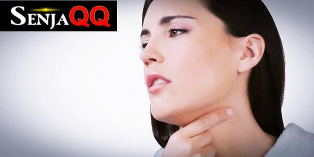 5 Cara Alami yang Bisa Membantu Mengatasi Sakit Tenggorokan