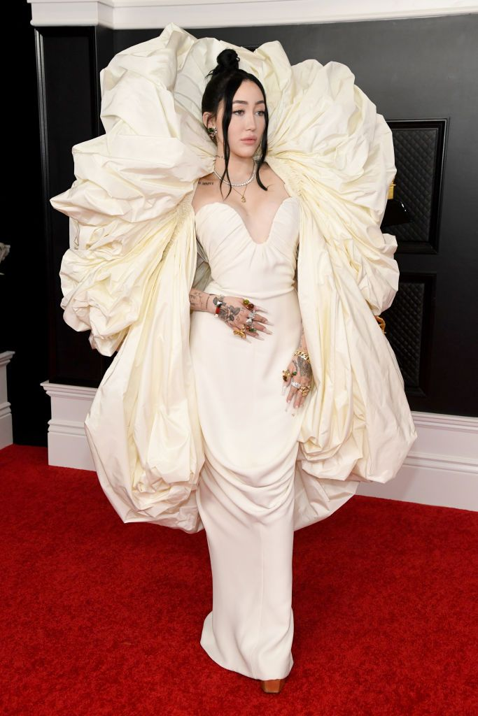 Grammy Awards 2021: i fashion look in & out