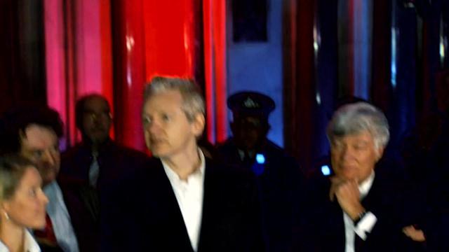 Julian-Assange-Revolution-Now-2020-1080p-WEBRip-x265-RARBG-mp4-snapshot-00-21-47-2021-06-26-15-23-21