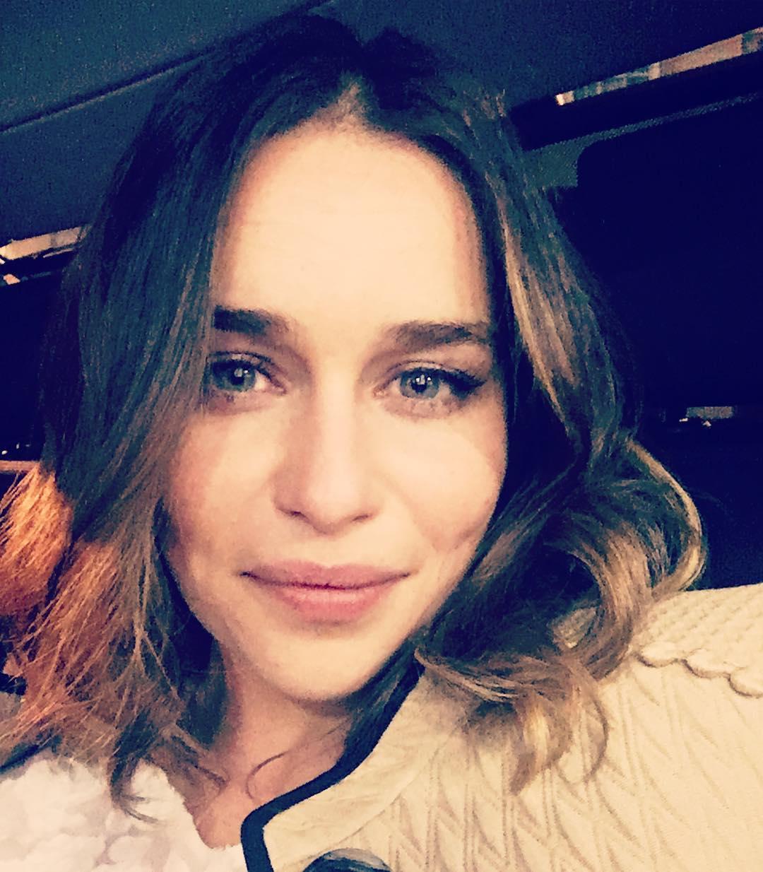Emilia-Clarke-Wallpapers-Insta-Fit-Bio-7