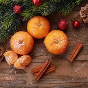 https://i.ibb.co/PxJ0FNG/depositphotos-65124469-stock-photo-christmas-composition-with-tangerines-on.jpg