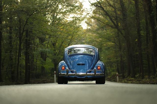 imagem-fusca-azul-estrada