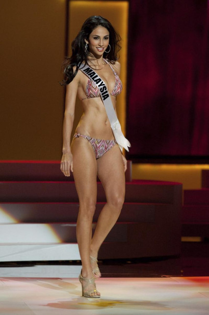 158093-miss-universe-malaysia-2011-deborah-henry-wears-a-swimsuit-during-a-pr