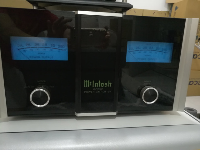 Mcintosh Amplifier MC252  1
