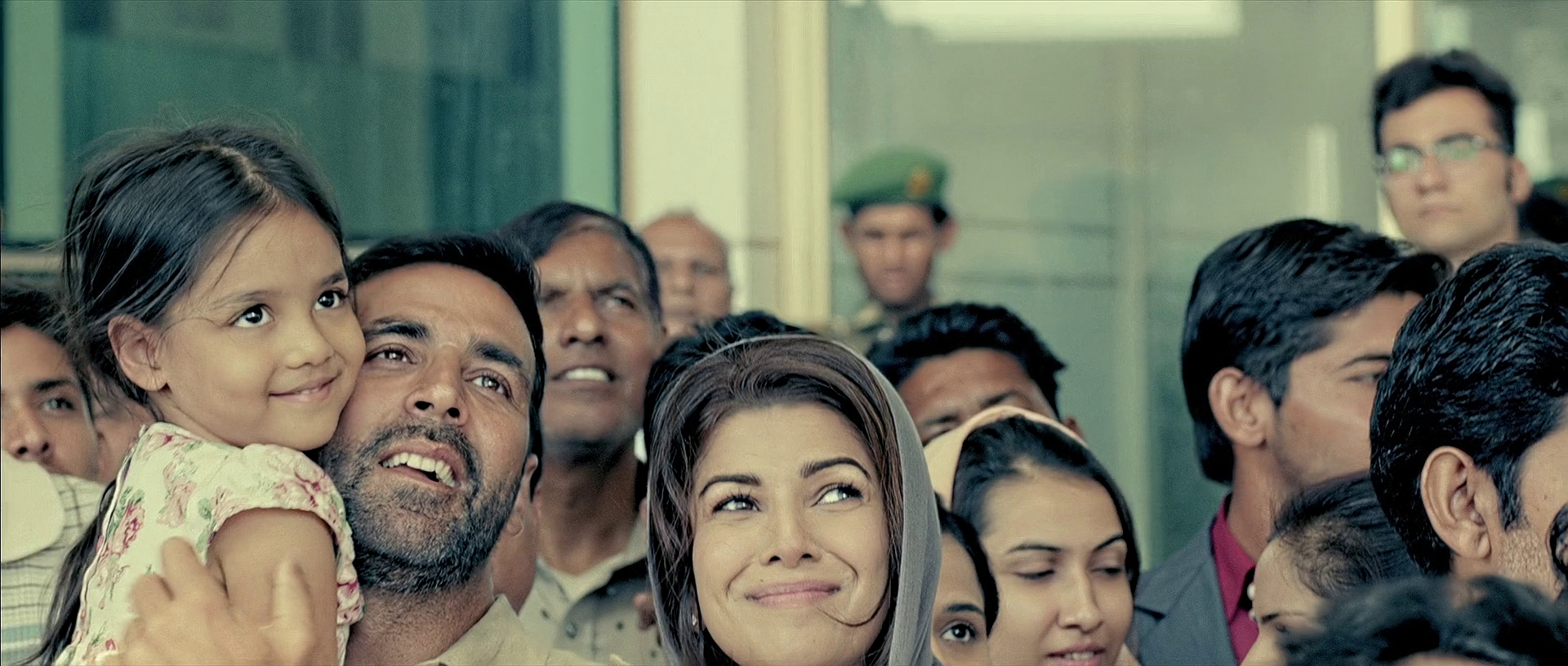 Airlift-2016-313