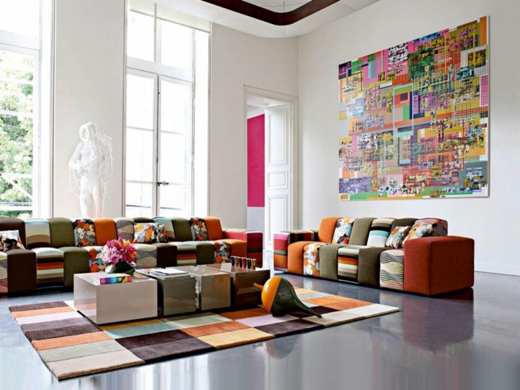 Ruangan Terlalu Banyak Warna Mencolok