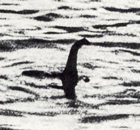 Hoaxed-photo-of-the-Loch-Ness-monster