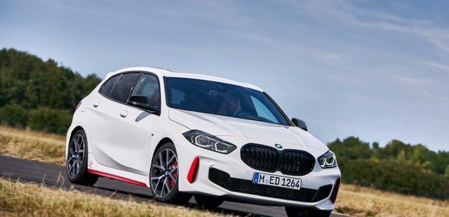 2018 - [BMW] Série 1 III [F40-F41] - Page 31 0-B51-D1-D9-76-C9-436-D-86-DE-8-E2689323-DD0