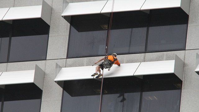 How to Start a Window Washing Business