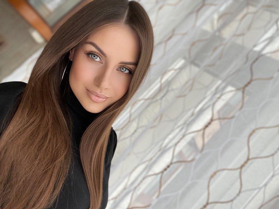 Alena-Gogoleva-Wallpapers-Insta-Fit-Bio-3
