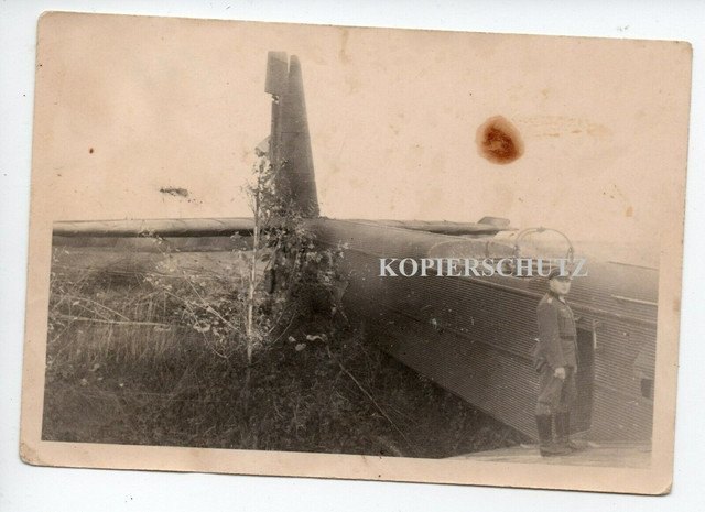 t33-Russland-1941-zerst-rter-abgeschossener-Bomber-Flugzeug-Plane