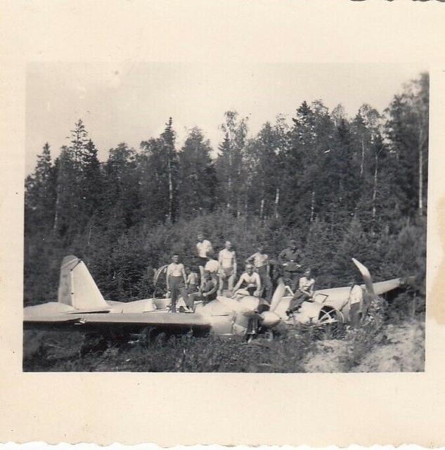 WH-abgeschossenes-russisches-Flugzeug-Martin-Bomber-IR58-58-Inf-Div-Wolchow