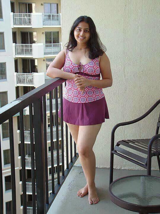 Karachi-Hot-And-Sexy-Aunties-1