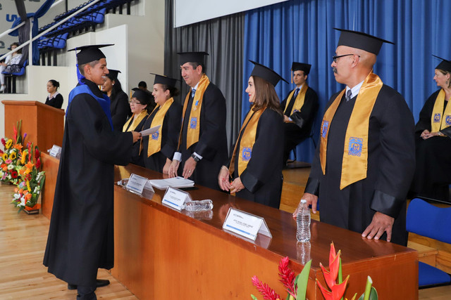 Graduacio-n-Cuatrimestral-49