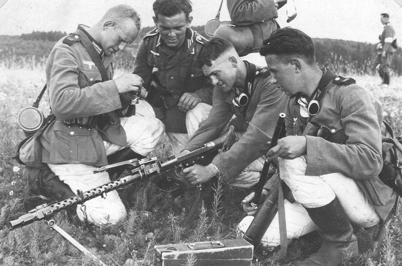 Machine gun crew training, 1939. WW2