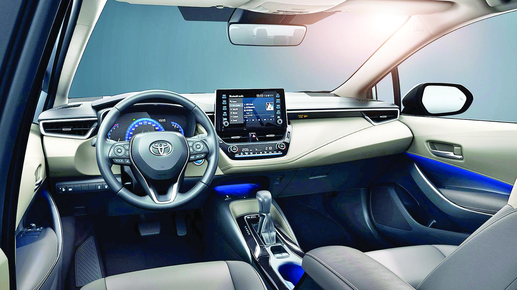 İklim değişikliğine en hızlı duruş sergileyen sektörlerin başında otomobilciler geldi. Toyota Türkiye'de üretilen ilk hibrit otomobile imzasını attı.