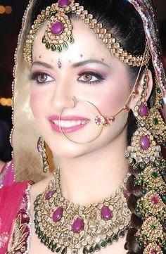 [Image: jkg-bride-4.jpg]