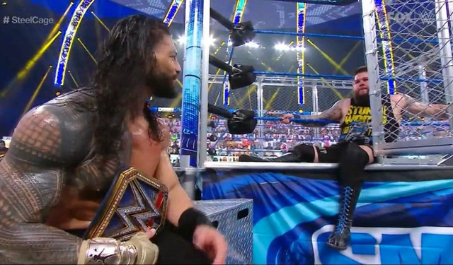 Roman Reigns se impuso ante Kevin Owens Steel Cage SmackDown