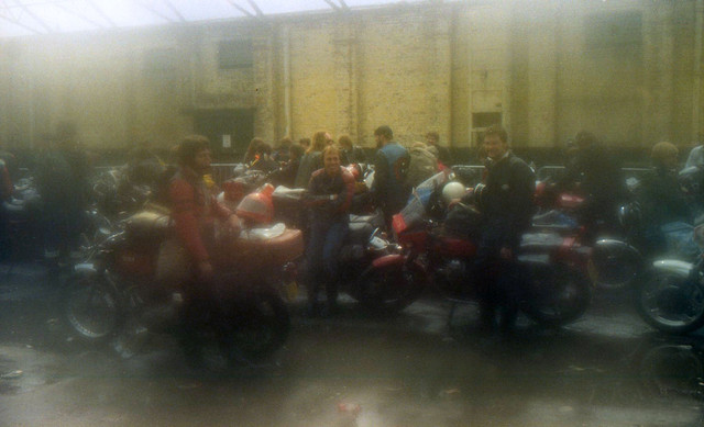 [Image: 1984-Liverpool-docks-queuing-for-Isle-of...ry-pic.jpg]