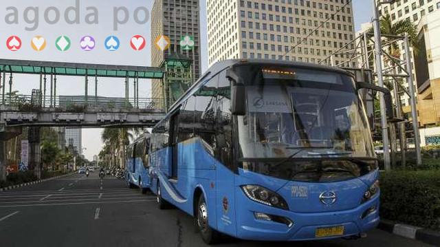 Sopir Bus Transjabodetabek Didenda Perusahaan, Warganet Galang Dana