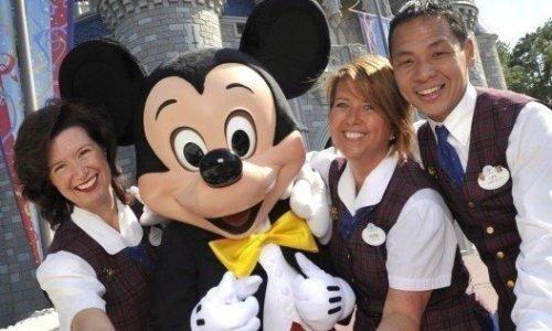 Demi Bayar Pekerja Lepas, Disney Potong Gaji Direksi