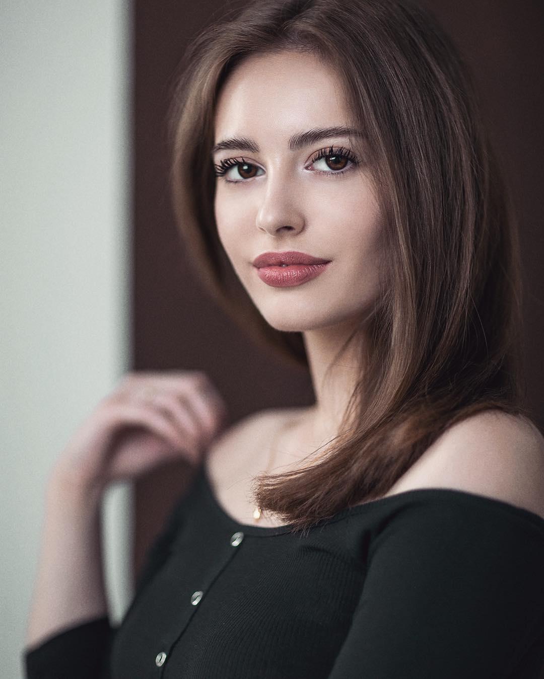 Olga-Seliverstova-Wallpapers-Insta-Fit-Bio-4
