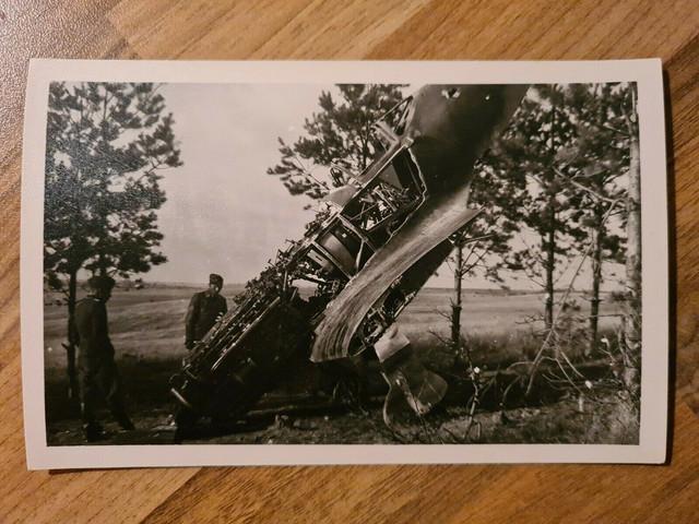 Foto-Wehrmacht-Soldaten-Abgest-rztes-Flugzeug-Wrack