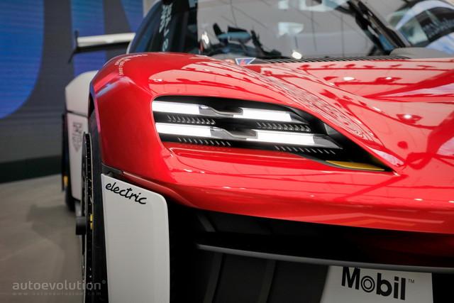 2021 - [Porsche] Mission R - Page 2 1-FC9-EA97-115-C-4-F88-808-C-252989-B60-EAD
