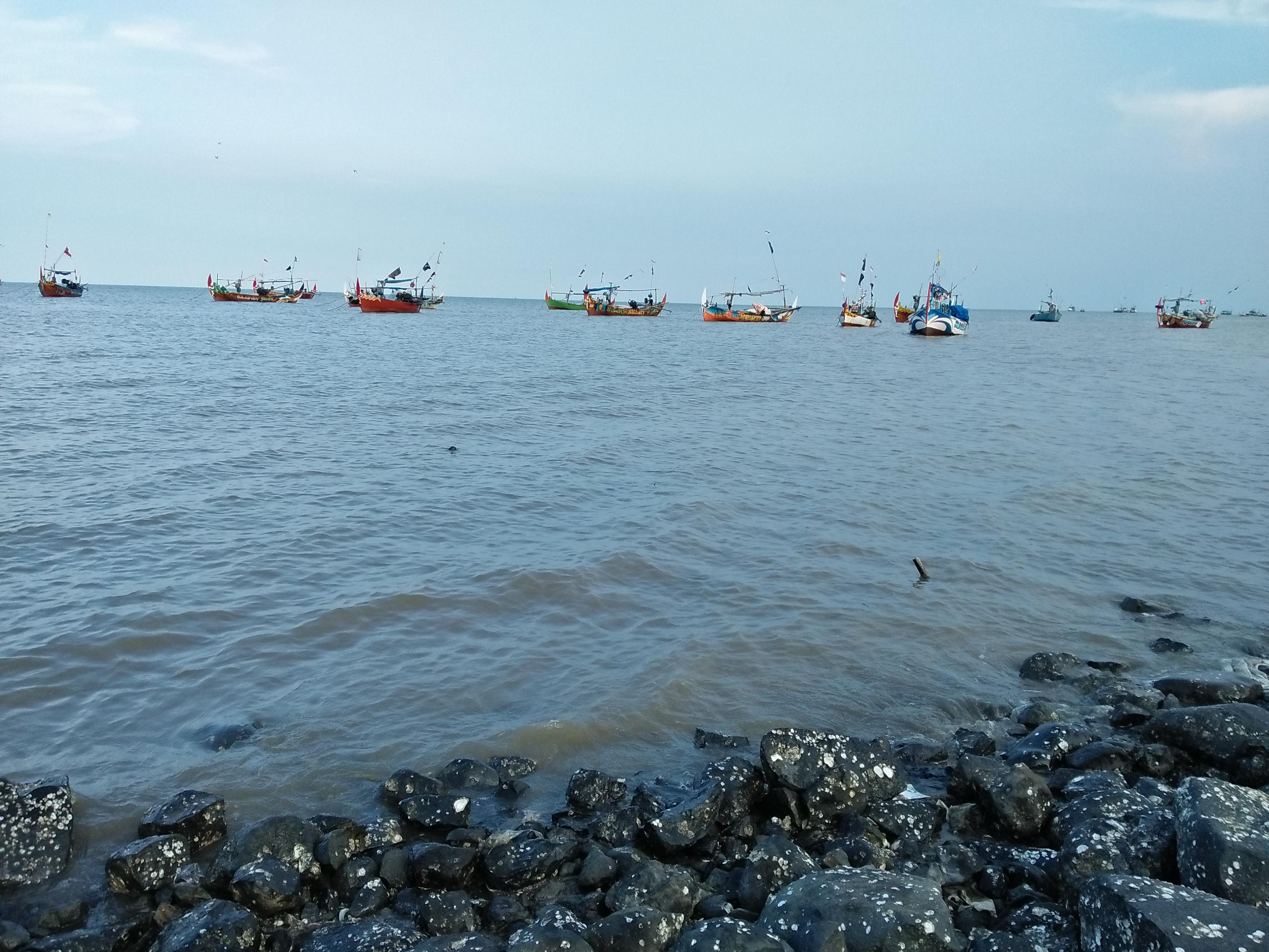 Pantai Idola