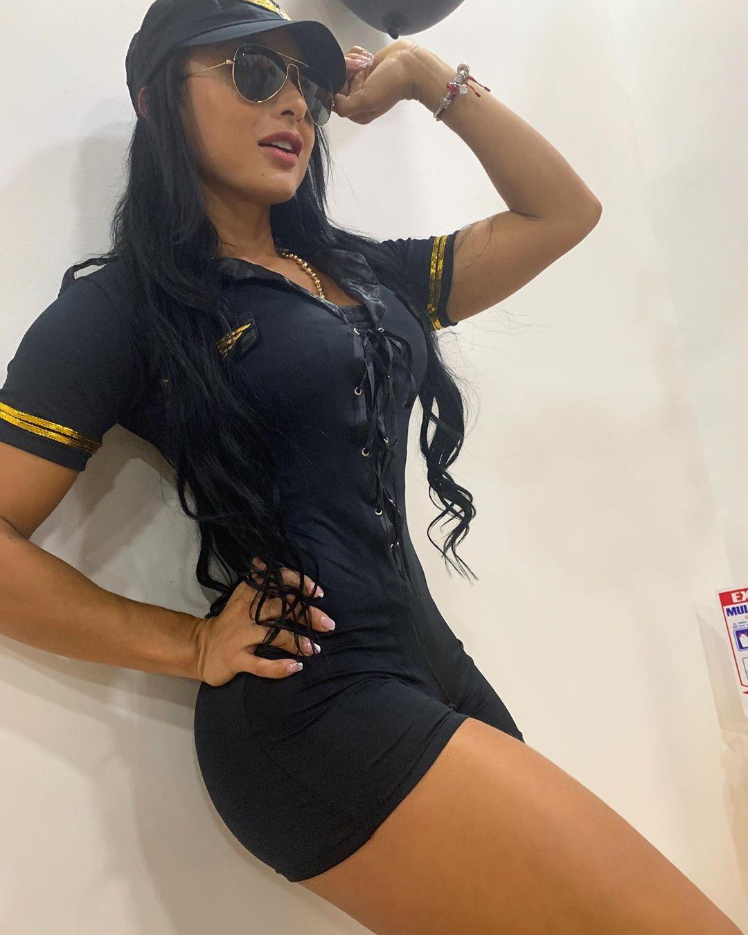 Paola-Macias-Wallpapers-Insta-Fit-Bio-5