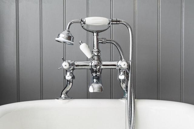 https://i.ibb.co/QQHnXs4/best-plumbers.jpg