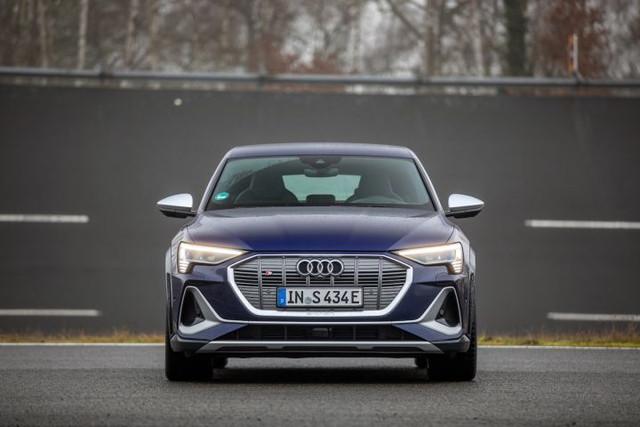 2020 - [Audi] E-Tron Sportback - Page 4 071-D8-D8-A-43-DF-4-BCB-8-C22-FF3-A9-A09-DF34
