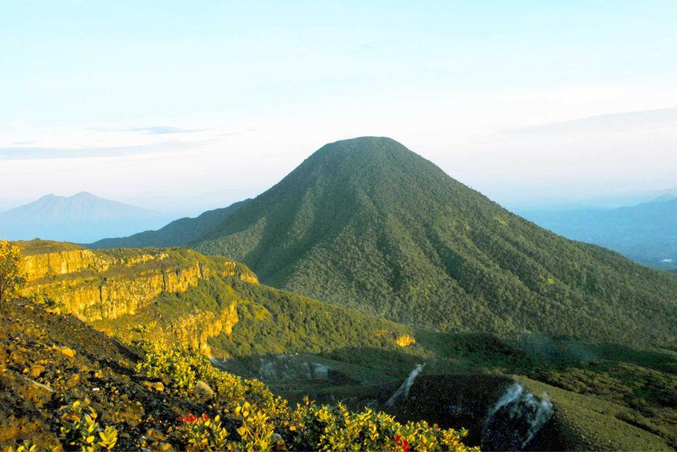 gununggede-952x637