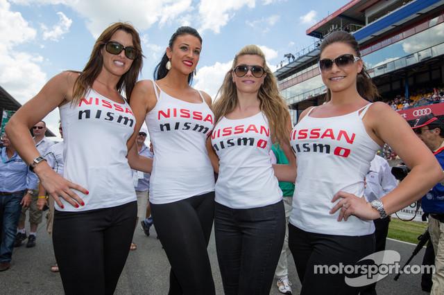 Nissan-girls
