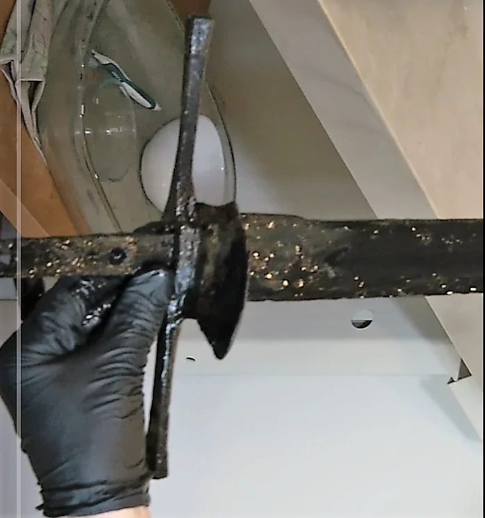 Medieval sword found at the bottom of the lake