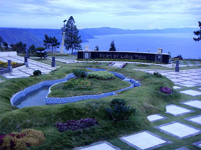 [Image: Taman-Simalem-Resort.jpg]